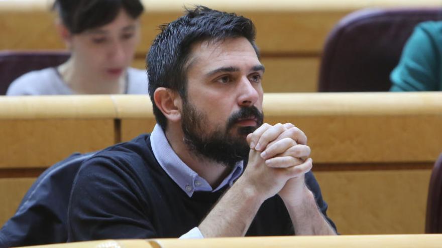 Espinar dimite de sus cargos en Podemos, el Senado y la Asamblea de Madrid