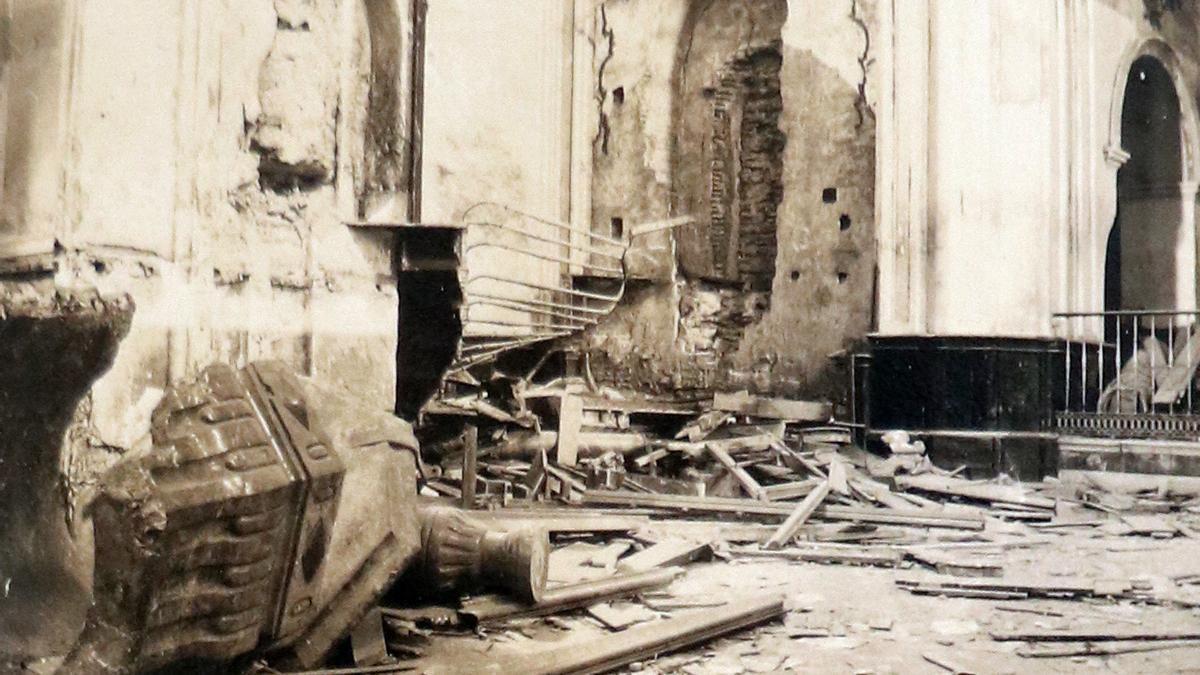 Interior de la iglesia del Carmen, en El Perchel, en mayo de 1931.