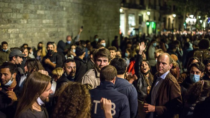 Desallotgen més de 7.000 persones en «botellons» durant la nit de divendres a Barcelona