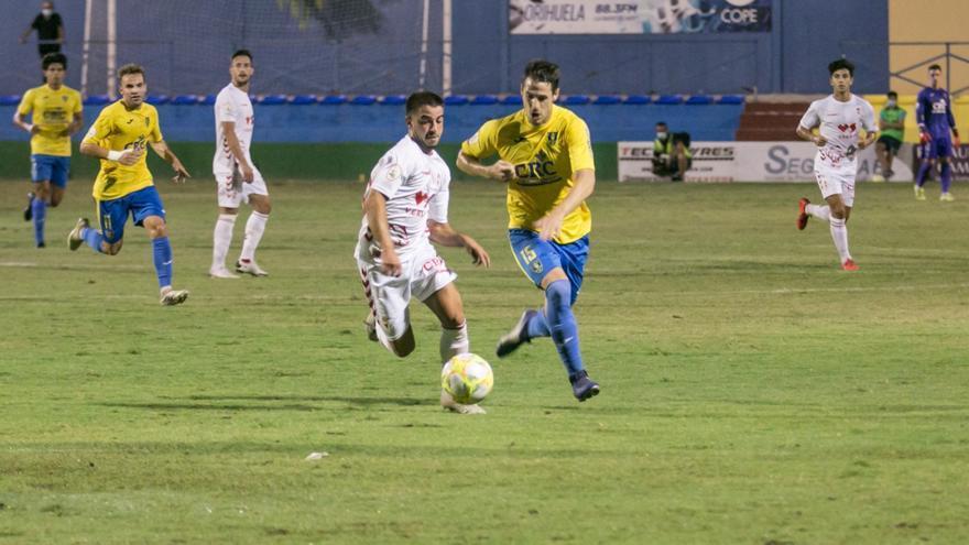 El Orihuela cae ante el Murcia (0-1) en su primer amistoso de pretemporada