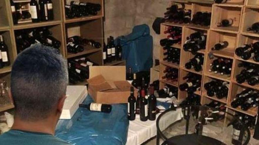 Desarticulada la banda que robó en la casa del cantante James Blunt en Ibiza
