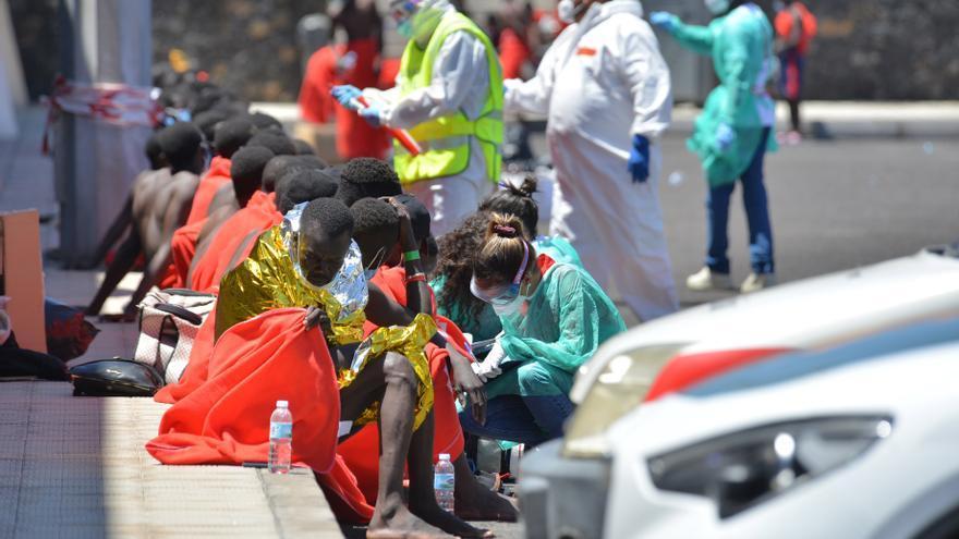 Un cayuco llega a El Hierro con 117 migrantes a bordo