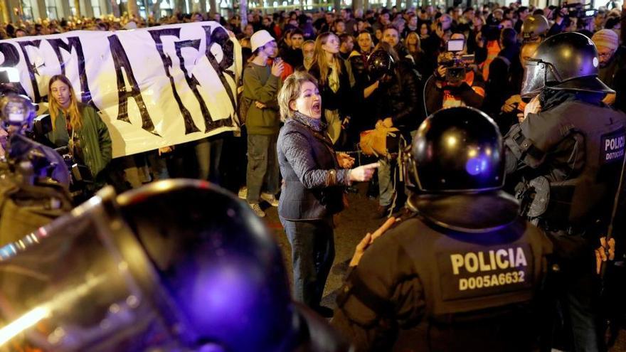 El juez investiga a la cúpula de la Policía por falta de medios en los disturbios del procés