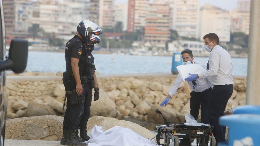 Retiran el cadáver de un bañista ahogado en la Albufereta