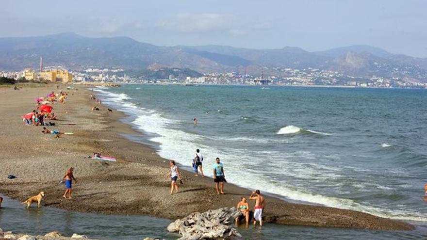 La agresión en la playa del Guadalhorce llega al juzgado como delito leve de lesiones