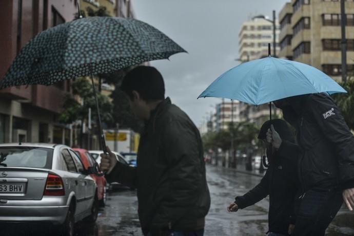 LAS PALMAS DE GRAN CANARIA. Lluvias en la ciudad de Las Palmas de Gran Canaria.  | 03/04/2019 | Fotógrafo: José Pérez Curbelo