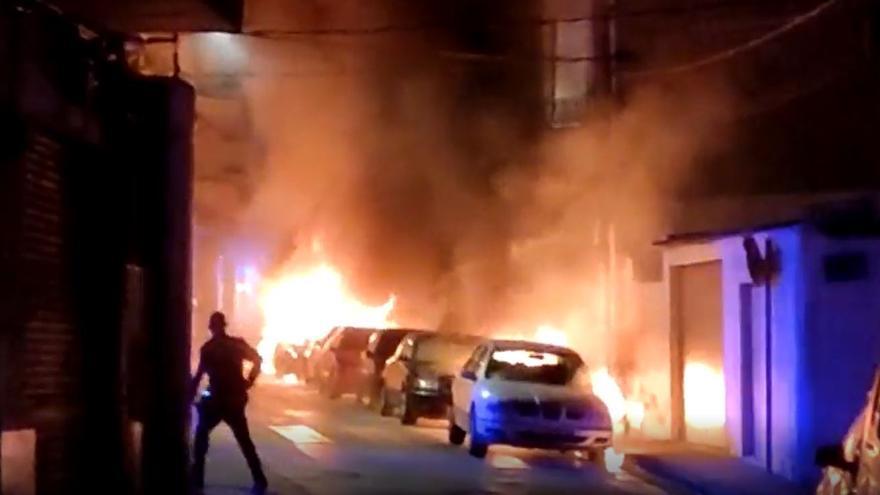 Coches ardiendo en el municipio murciano de Molina de Segura