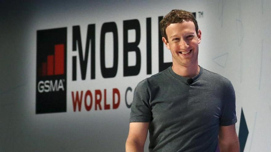 Mark Zuckerberg perd 5.100 milions d'euros per l'apagada de Whatsapp, Facebook i Instagram