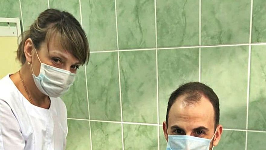 """El vilagarciano inmunizado en Rusia: """"Aquí la mascarilla no es obligatoria y casi nadie la usa"""""""