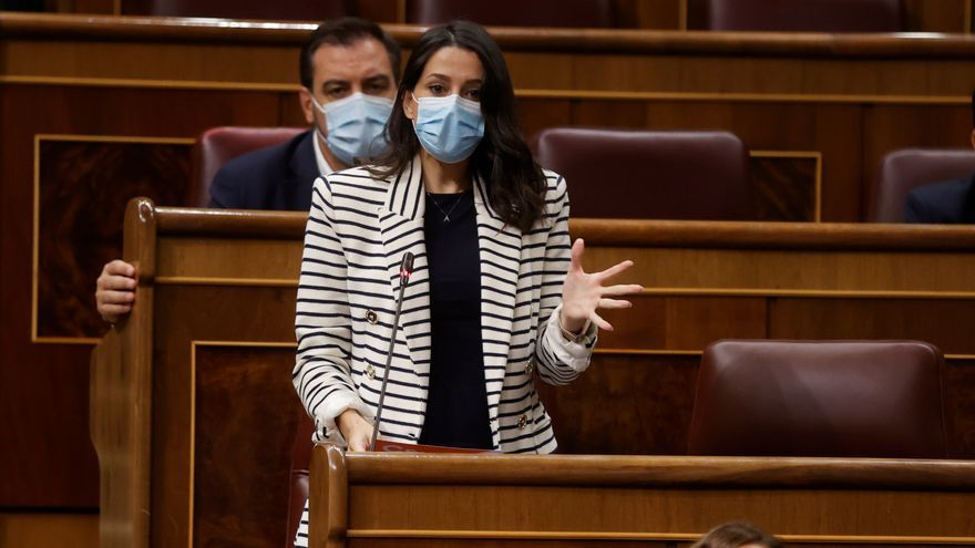 """Sánchez a Arrimadas: """"Siempre he sentido la mano tendida de los liberales españoles"""""""