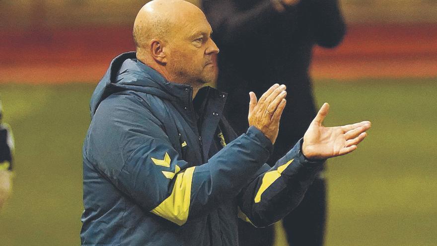 """Pepe Mel: """"Para competir tenemos que igualar la intensidad del Real Oviedo"""""""