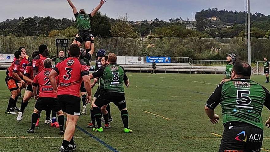 El rugby regresa triunfal al campo de Monte Porreiro