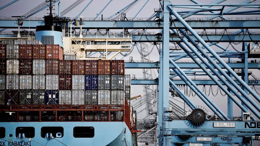 Los importadores de materias primas actúan contra los altos costes de los fletes