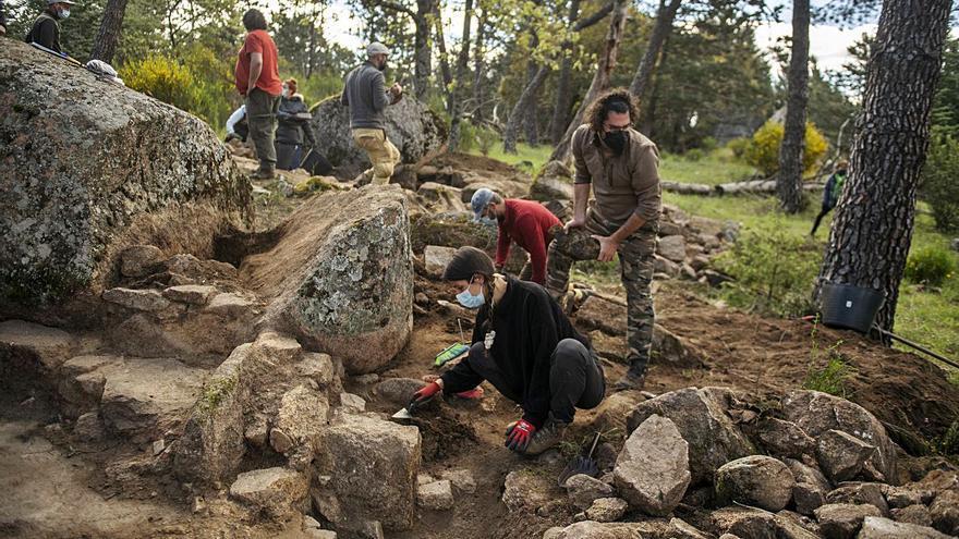 Plantean hacer visitables chozas de familias de presos del Valle de los Caídos para mostrar su miseria