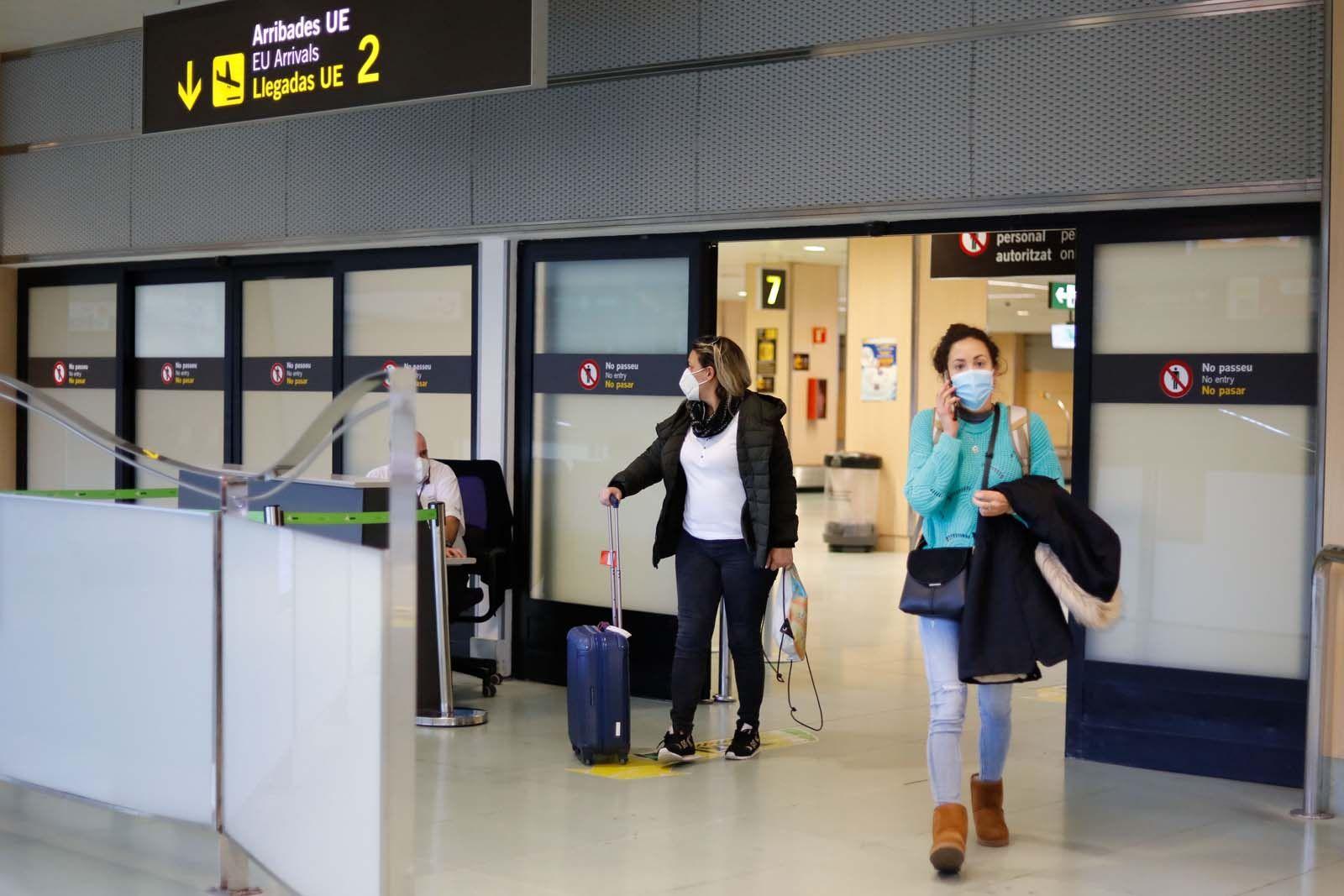 Aeropuerto de Ibiza: «Teníamos mono de viajar»