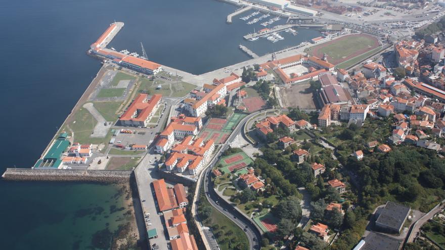Escuela Naval y Puerto pactan el uso de la dársena pesquera ubicada en la zona de seguridad militar