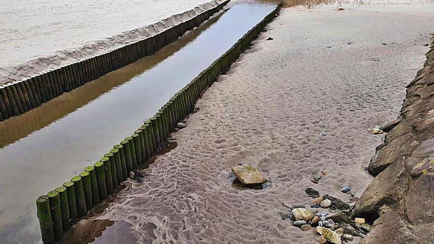 Ría de Barrañán, única zona de baño vetada esta temporada en la comarca