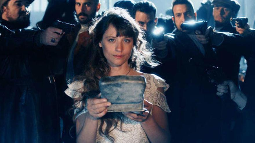 «El Continental», amb Michelle Jenner i Alex García, obre les portes