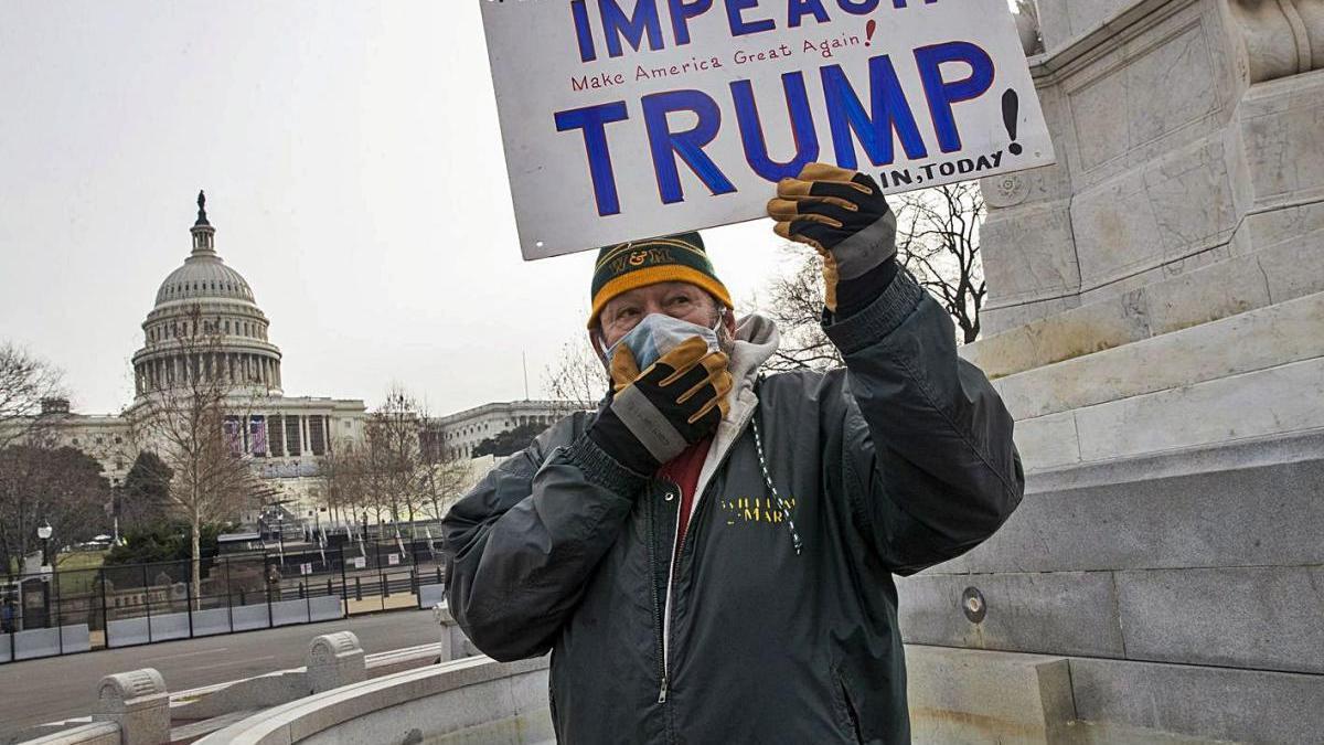 El partit demòcrata comença               l''impeachment' contra Trump