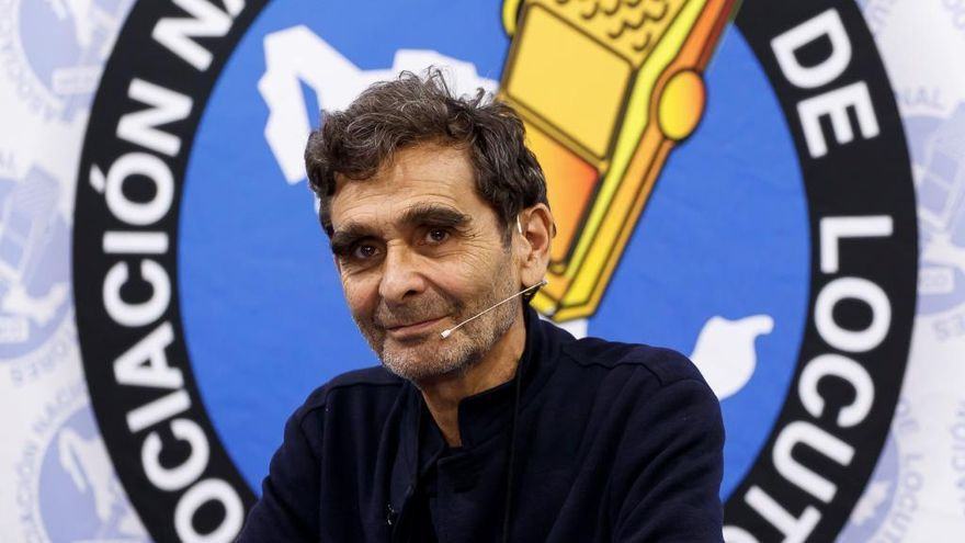 El Club Prensa Asturiana vuelve en versión digital con Adolfo Domínguez