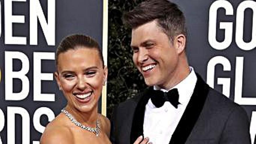 Scarlett Johansson se casa con el cómico Colin Jost