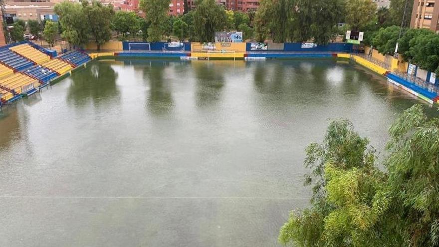 La inundación de Los Arcos pone en peligro el Orihuela-Levante B