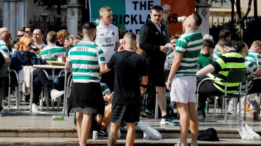 Conductores de autobuses que trasladaban a hinchas del Celtic denuncian vejaciones en el trayecto desde Benidorm
