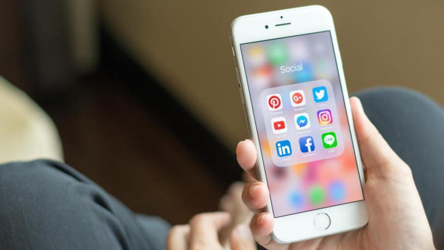Facebook y Twitter, las redes con más presencia en las escuelas de negocio