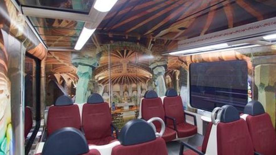 Un vagó de tren reconvertit en la Cripta Gaudí de la Colònia Güell