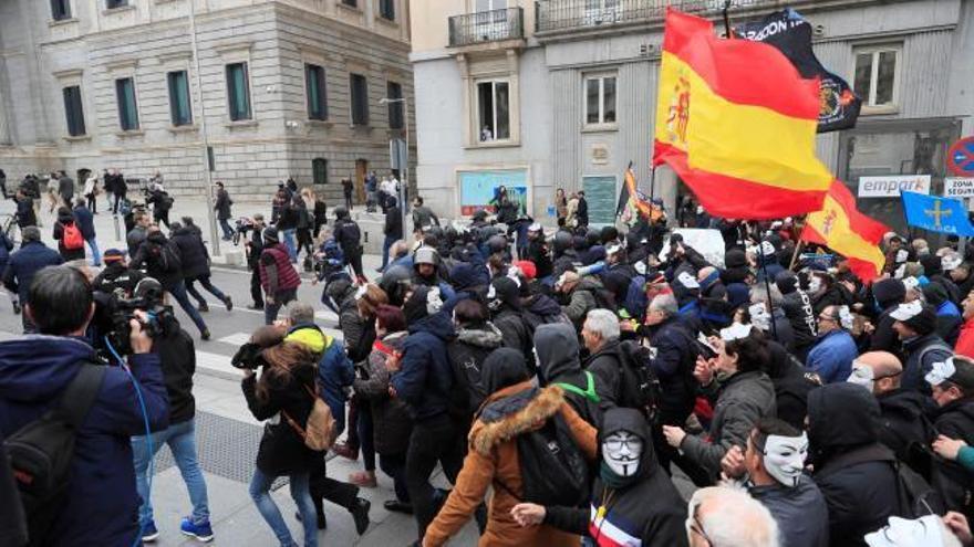 Los policías de Jusapol llevan su protesta hasta el Congreso