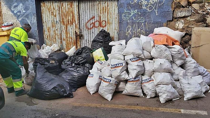 Telde recoge un 25 por ciento más de enseres y escombros desde junio