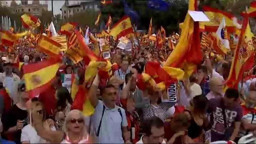 Miles de personas se manifestan en Barcelona por la unidad de España