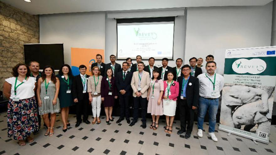 La ULPGC refuerza en Asia los estudios de Veterinaria