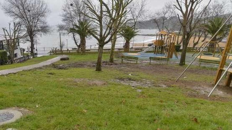 El parque infantil de Peroño albergará una pista de skate