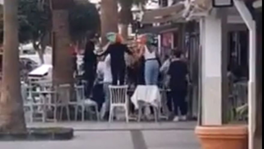 """Disuelven varias fiestas en Lanzarote durante el fin de semana, una de ellas """"con 18 personas"""""""