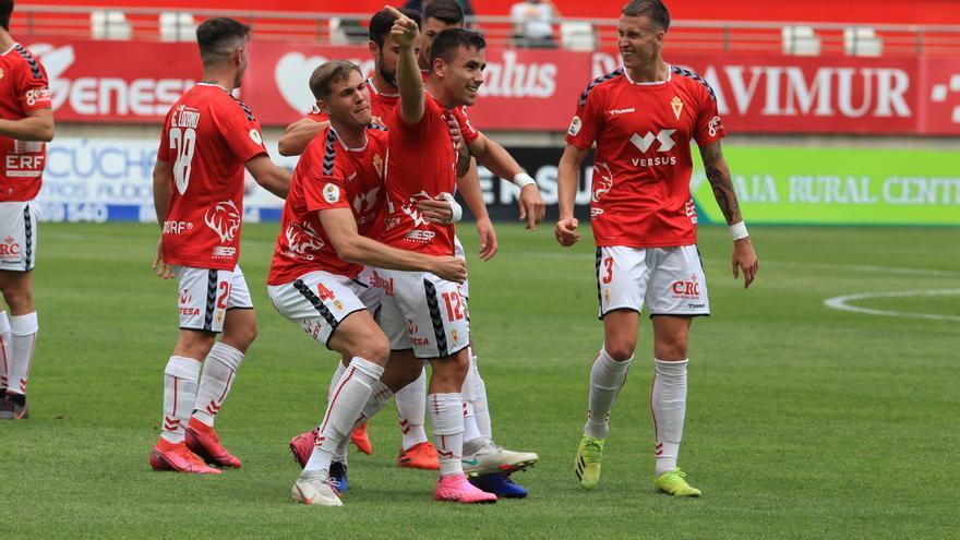 El canterano Roggny evita un nuevo batacazo del Real Murcia (2-1)
