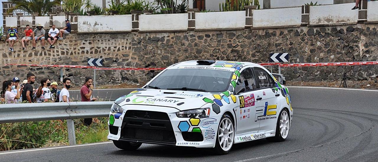El coche pilotado por Miguel Cabral, ganador de la subida a Arucas.