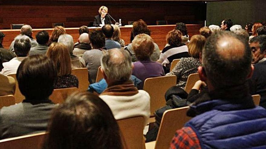 María Jesús Otero profundiza en la tragedia de Ribadelago 60 años después