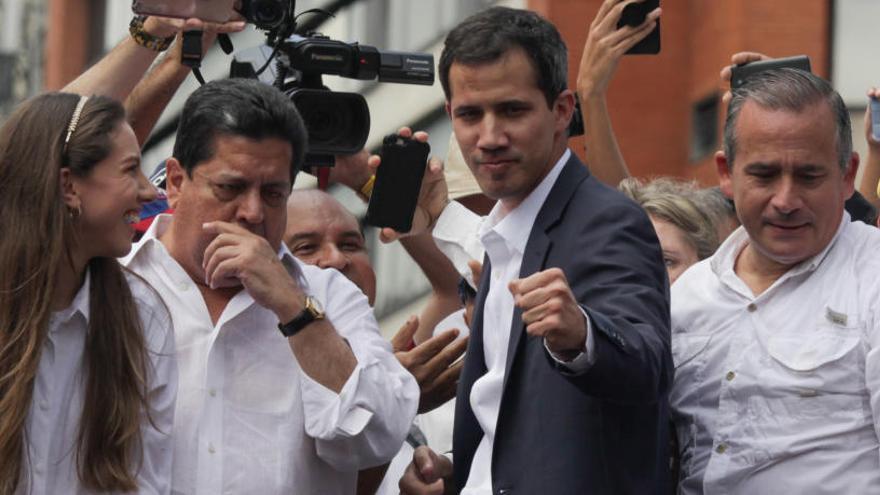 """Guaidó agradece a Sánchez """"su compromiso"""""""