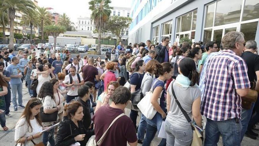 El descontrol de la Covid en Tenerife retrasa de nuevo la OPE de administrativos