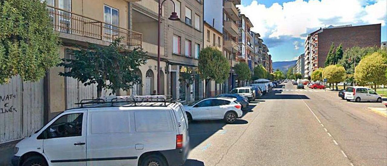 La calle donde se ubica el domicilio de la víctima en O Barco.