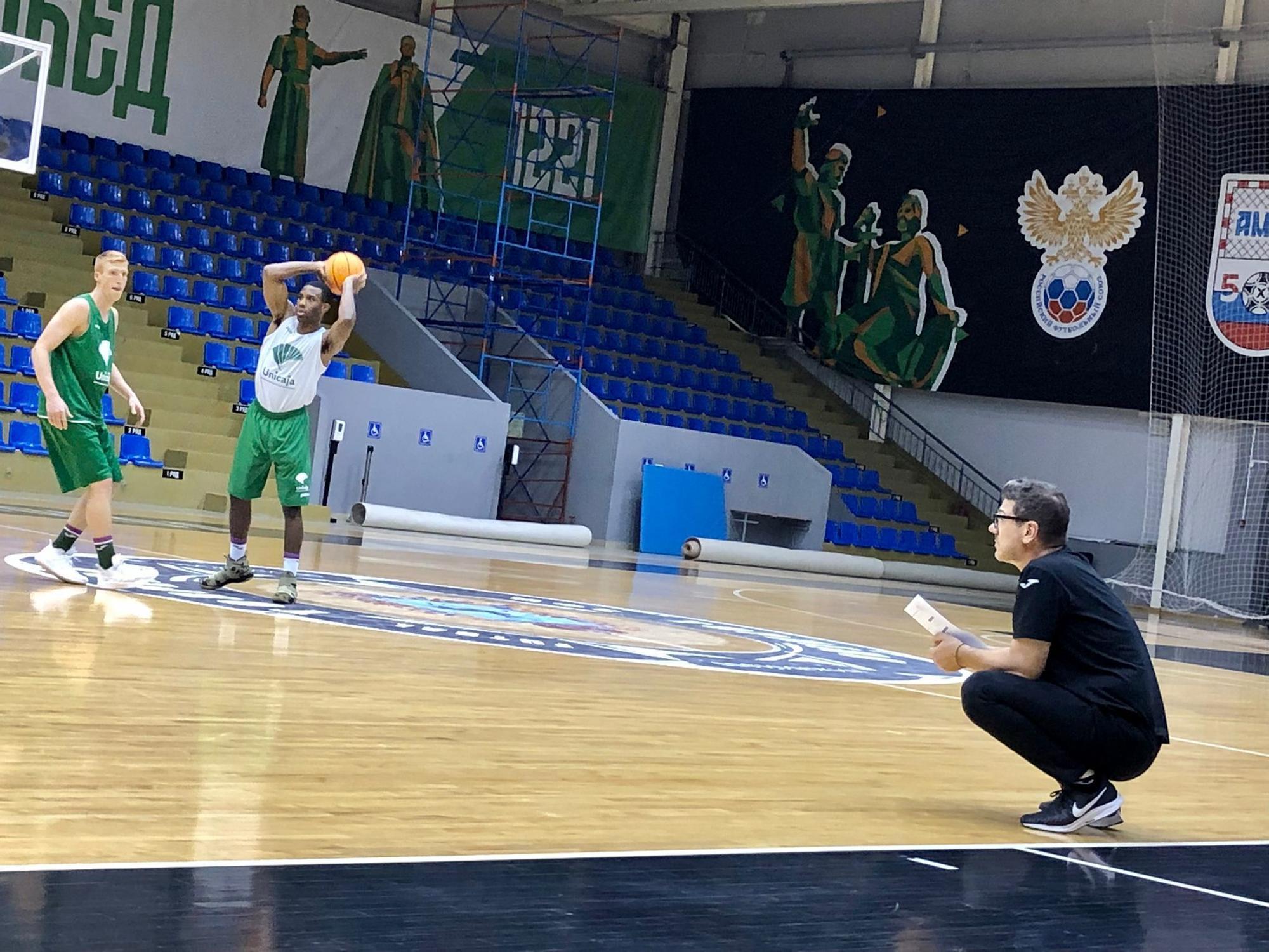 El Unicaja se entrena en Rusia ante su debut en la BCL