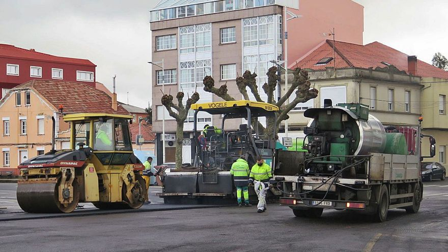 A Laracha inicia la renovación del pavimento en dos calles de Paiosaco