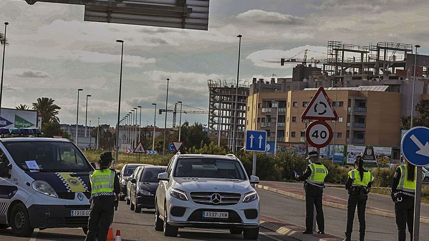 Más de 70 multas en Alicante el fin de semana por no cumplir las normas