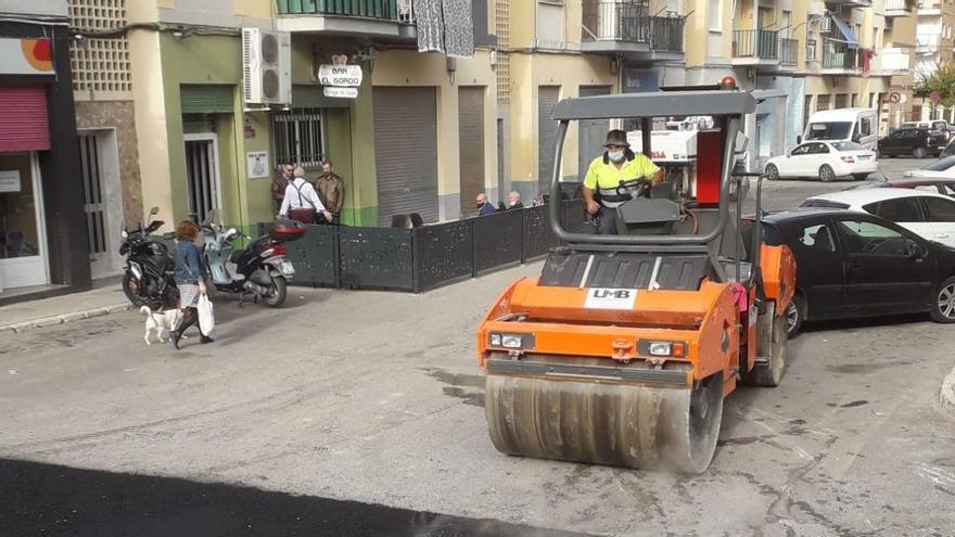 Villena reasfalta 22 calles y toma nota de las deficiencias en otras vías para la siguiente fase