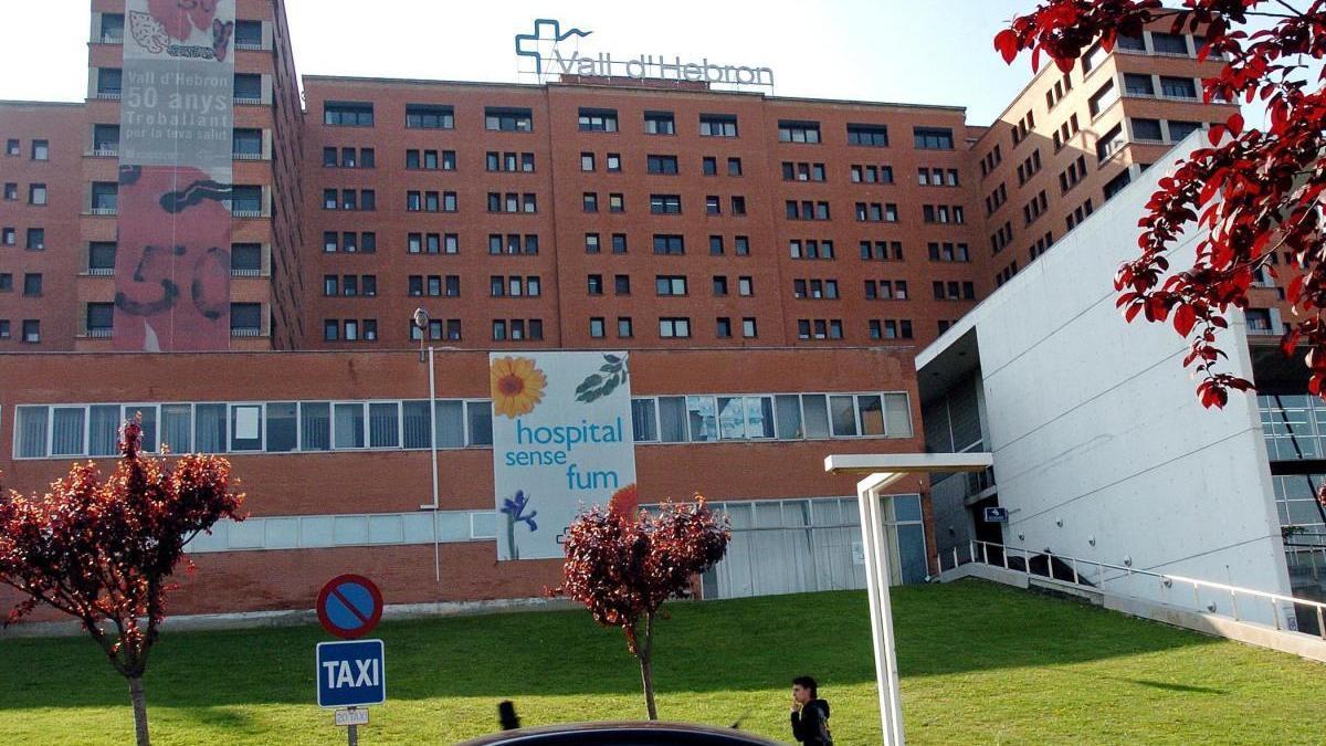 Fachada principal del Hospital Vall d'Hebron de Barcelona