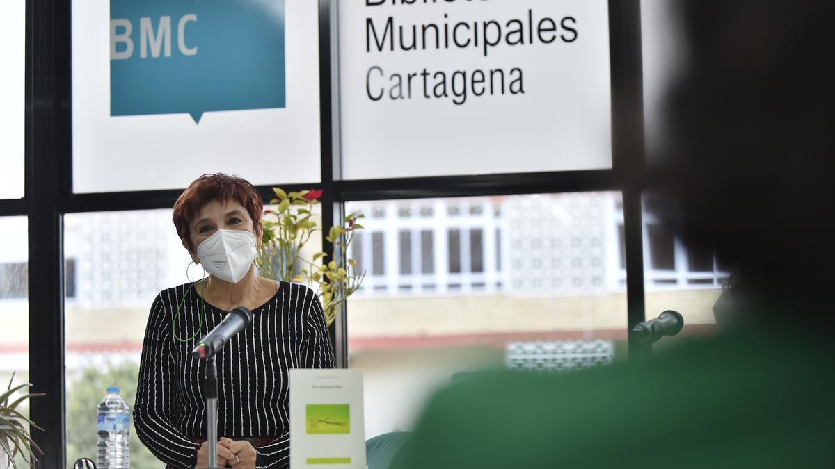 Marisa López Soria presentó ayer en el Luzzy 'Muy señores míos'.