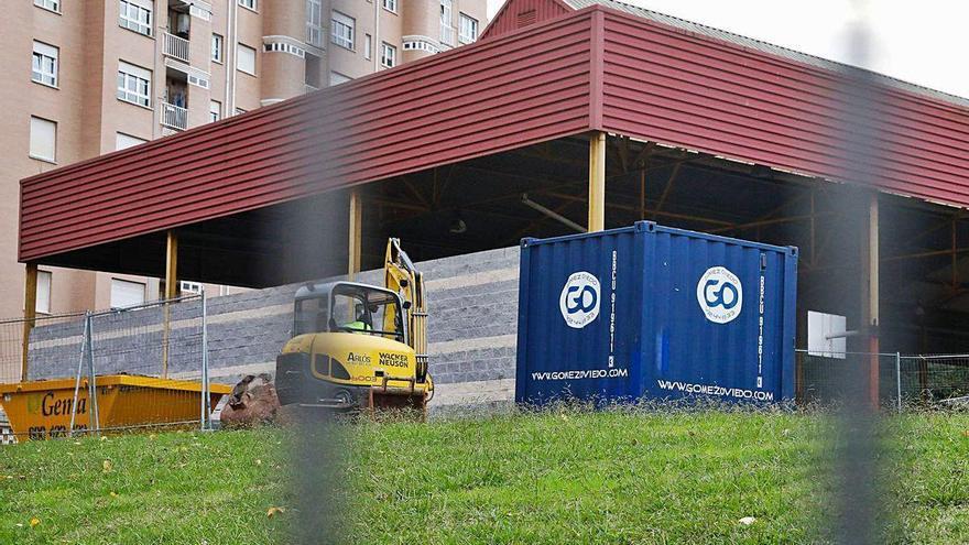 Comienzan las obras para cerrar la pista cubierta del colegio de Villalegre