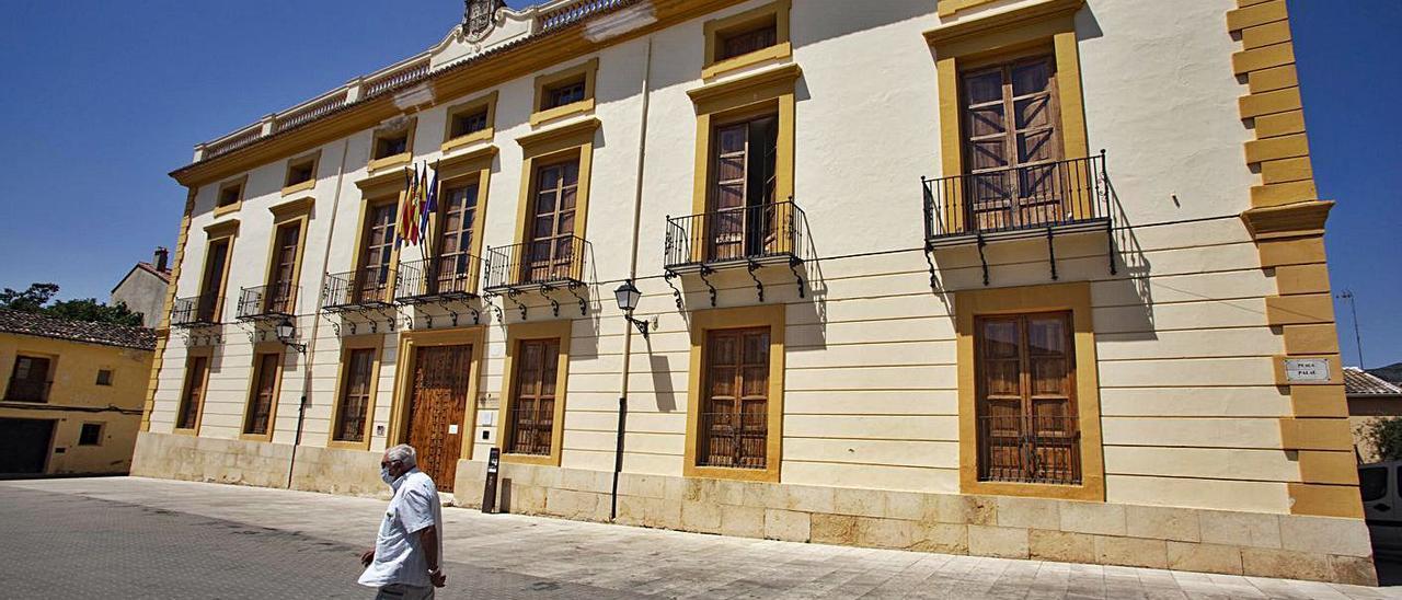 Edificio consistorial de Aielo de Malferit, en una imagen de archivo   PERALES IBORRA