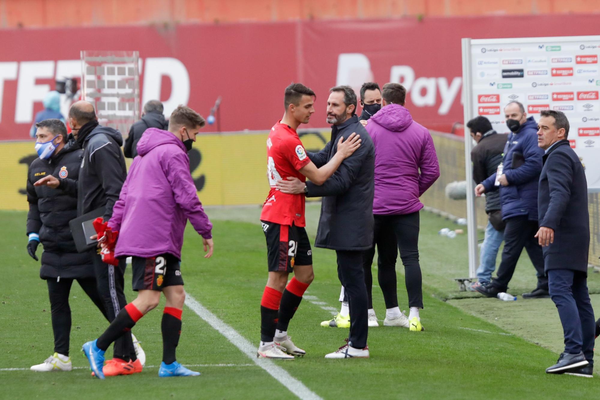 El Mallorca perdona al Espanyol y pierde